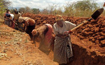 Farming work in African community build sand dam Excellent Development