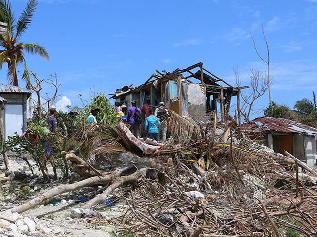 haiti-hurricane-matthew-destruction-les-cayes-area-copy-1
