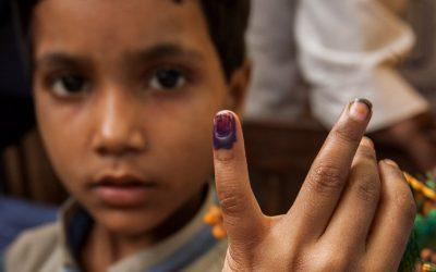 child shows purple pinkie end polio now immunisation