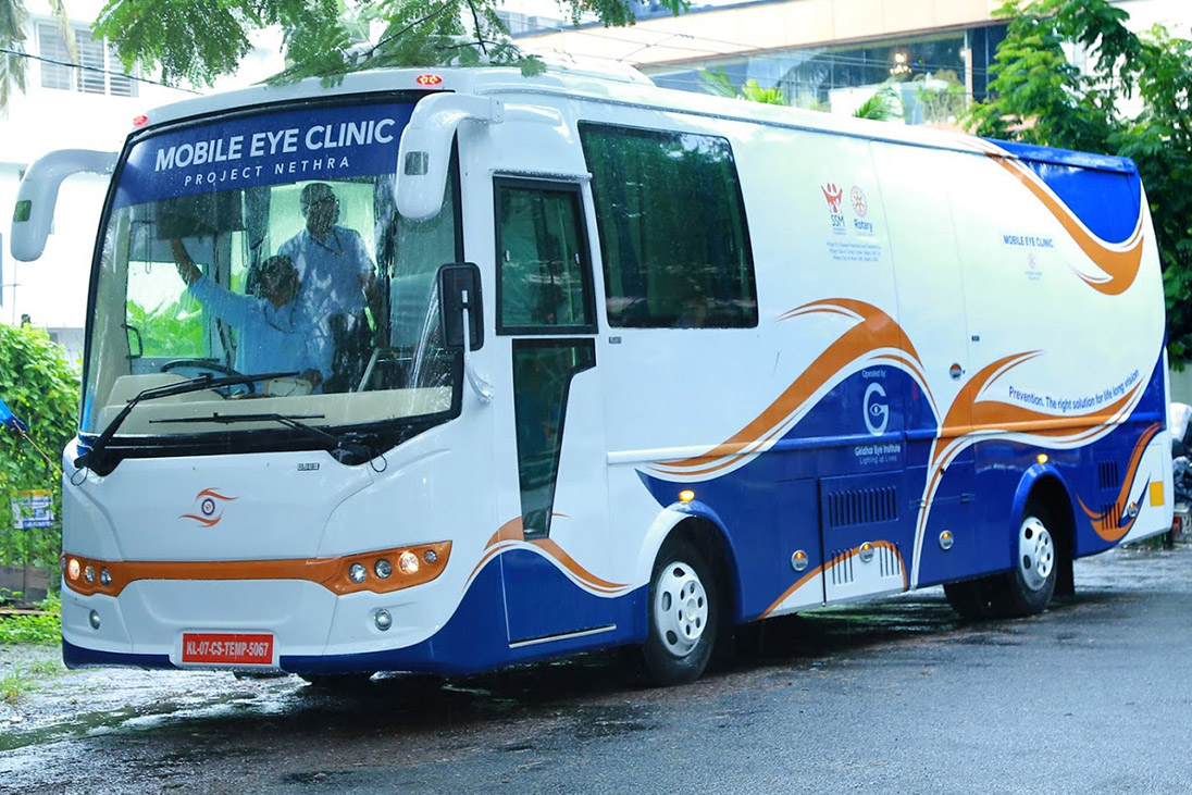 rotary mobile eye clinic in kerala