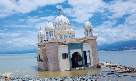 indonesia tsunami palu